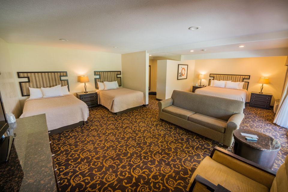 Family Suite | Bedroom