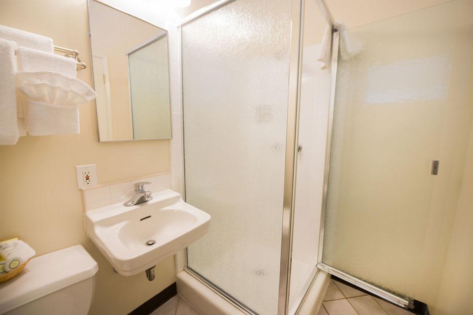 Standard Two Double Beds | Bathroom