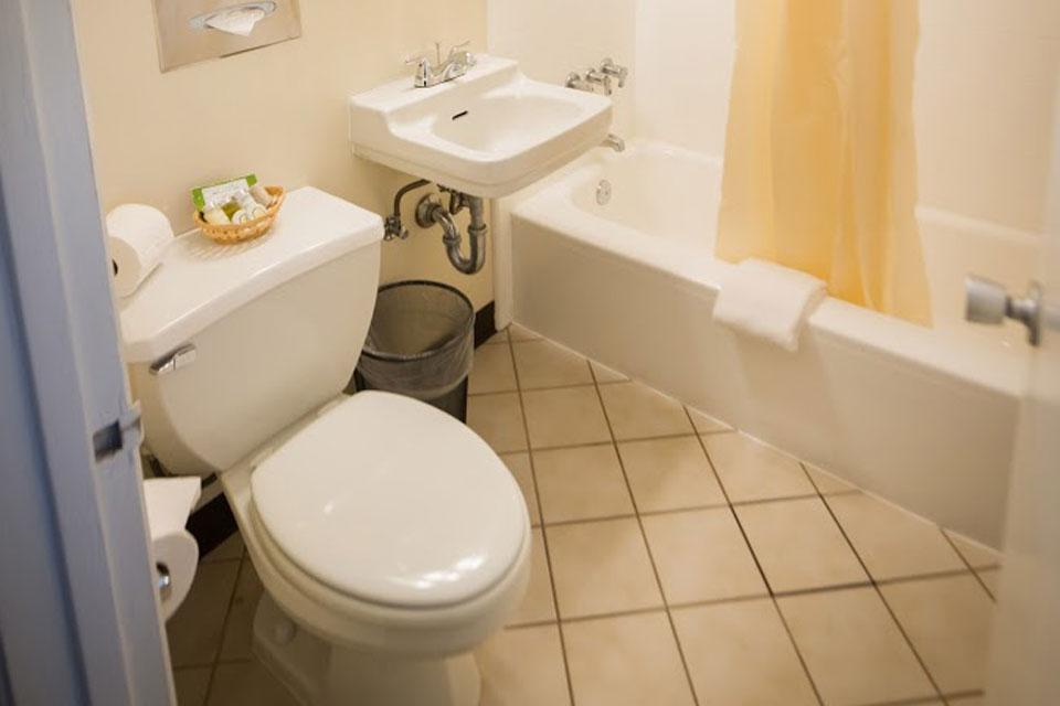 Standard King Bed Bathroom
