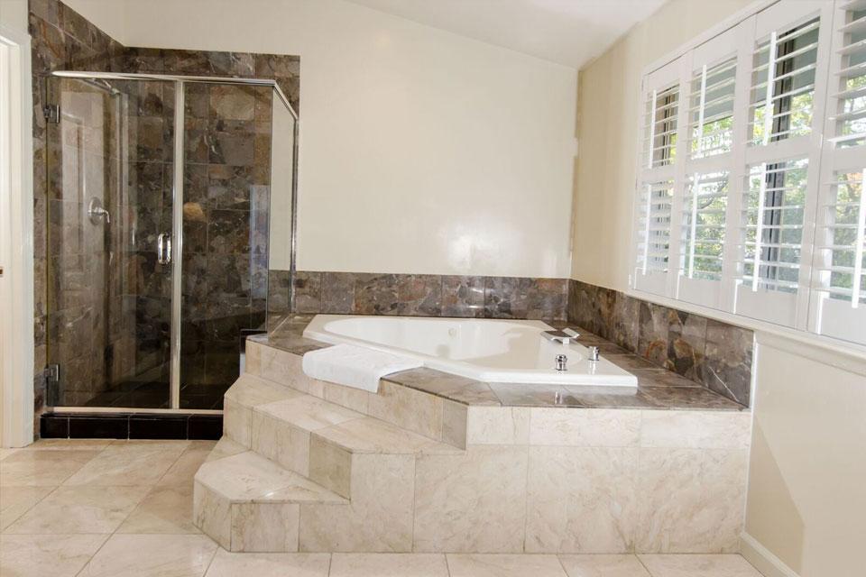 Executive Suite | Bathroom