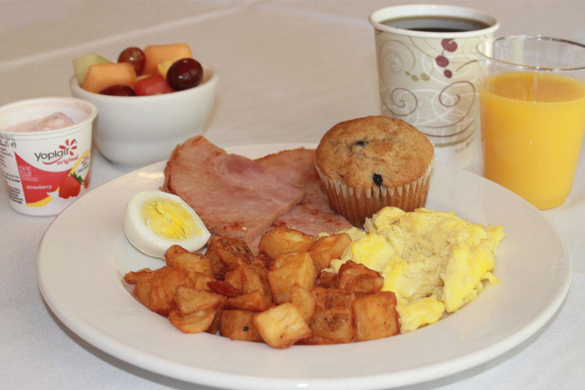 Breakfast - Los Gatos Lodge - Los Gatos, CA
